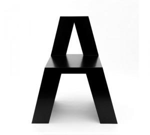 アルファベットチェア1